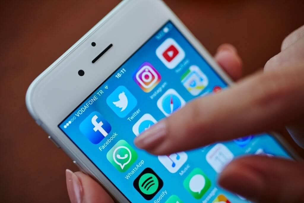 Como ler mensagens no Facebook sem que a outra pessoa saiba